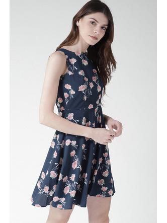 Dresses-A Sea Of Blue Florals Dress6