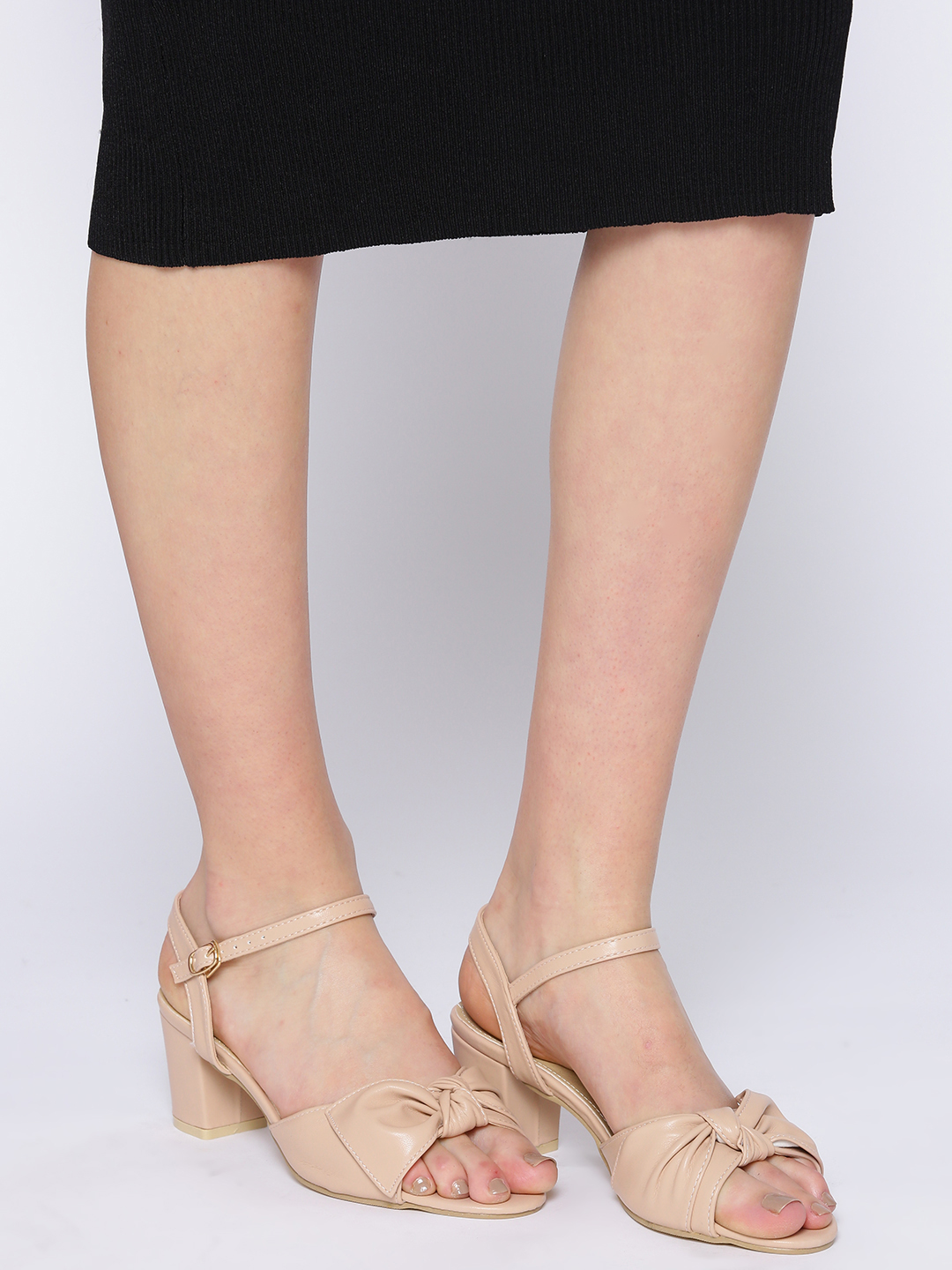 Heels and Wedges-Bowing To Style Block Heels1