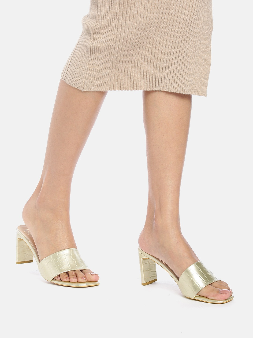 Heels and Wedges-The Textured Beauty Gold Heels7