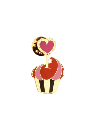 Brooches and Collar Pins-Heart In A Cupcake Brooch1