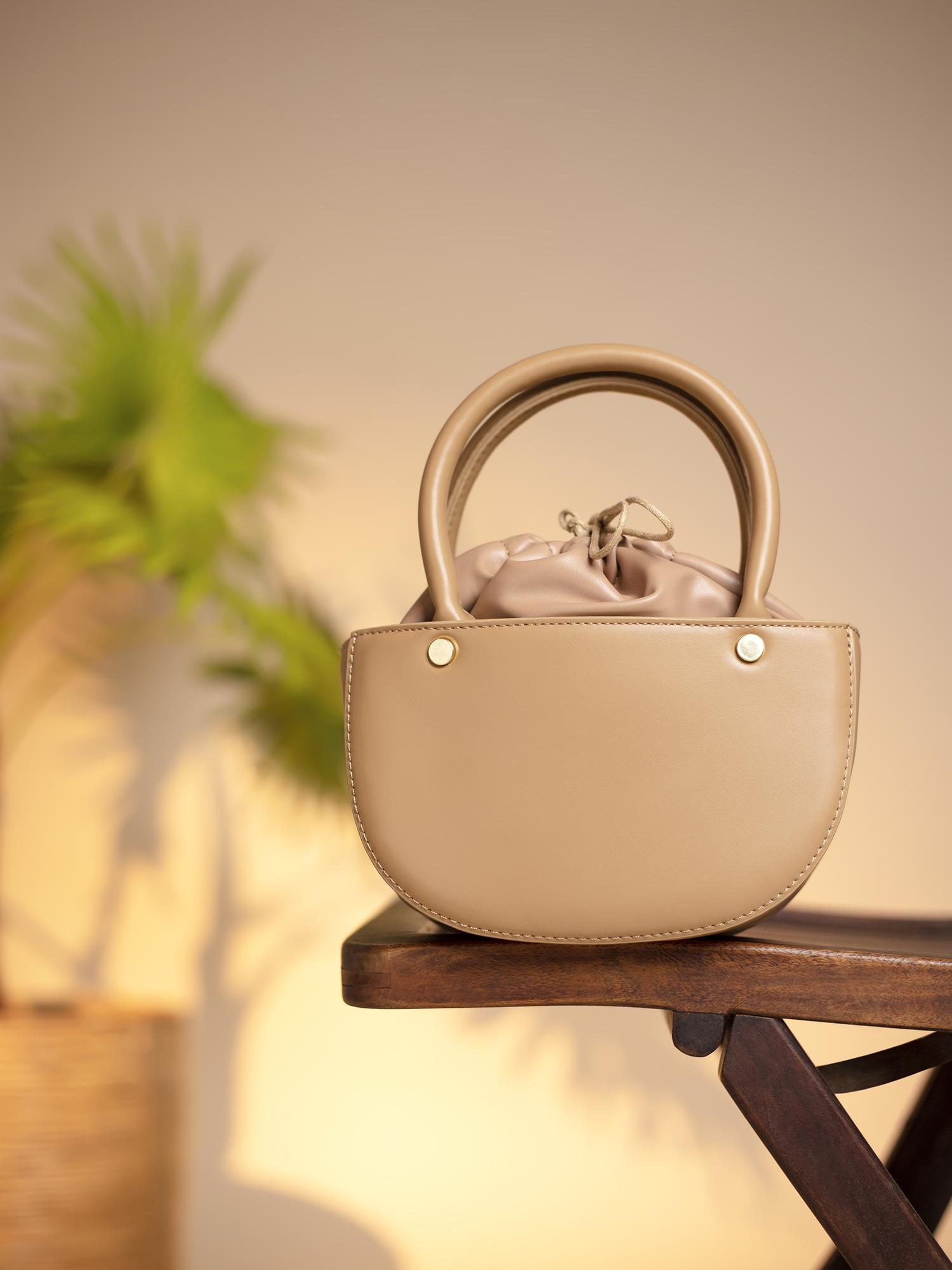 Slings-Tan Back To The Classics  Bag1