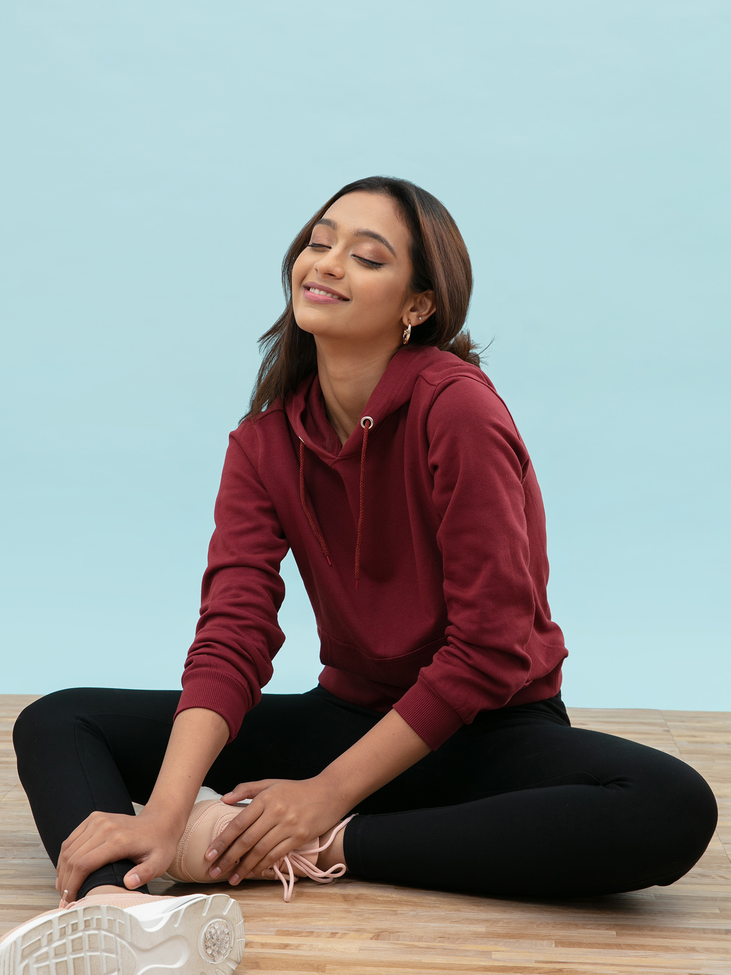 Tops-Pocket Full Of Maroon Hoodie1