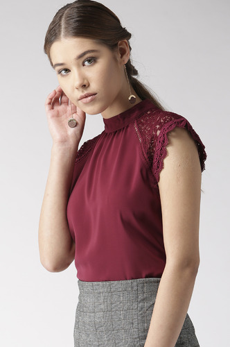 Tops-Maroon Laced In Love Top